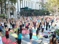 Exercise classes, Bryant Park, New York, NY