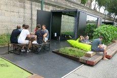 Outdoor work/meeting spaces, Paris Plages, Paris, FR