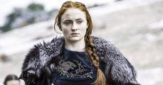 Sansa Stark parlando con Varys