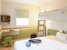 Hôtel 2* ou 3* propre et accessible