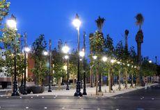 Create a central pedestrian-friendly avenue through Mac Park