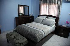 COT MBEZI BEACH HOUSE | $35/NIGHT/ PERSON (NEAR BEACH)