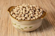Chickpeas and seeds