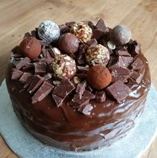 Sugar Free Chocolate Cake by Ally the Earthling